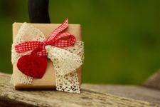 Word: Kostenlose Valentinstag-Geschenkanhänger